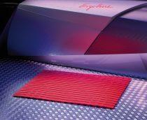Műanyag kilépő szőnyeg piros színben